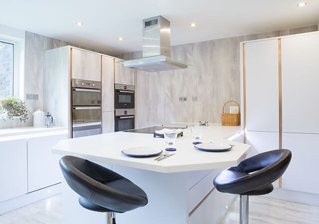 Luxyry fitted kitchen, fully equiped in Glagow area